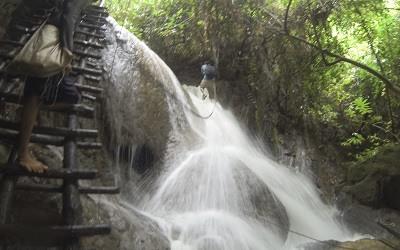 100 Cascadas Laos