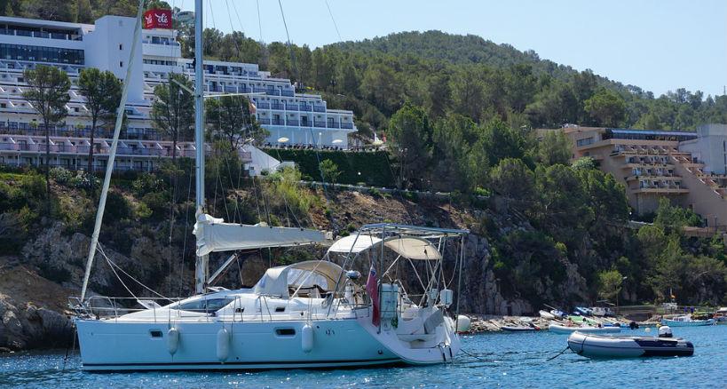 Opciones para alquilar barcos en Ibiza