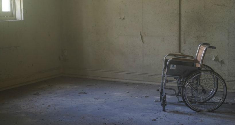 Como ayudar a las personas de movilidad reducida