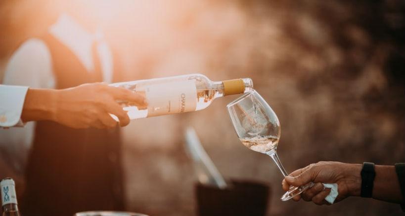Como elegir el vino acertado para regalar
