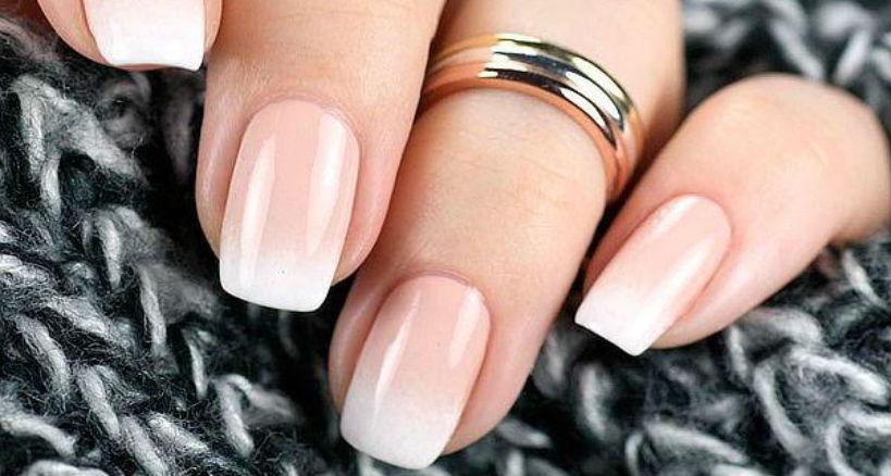 Beneficios de las uñas acrílicas y dónde encontrar el mejor material